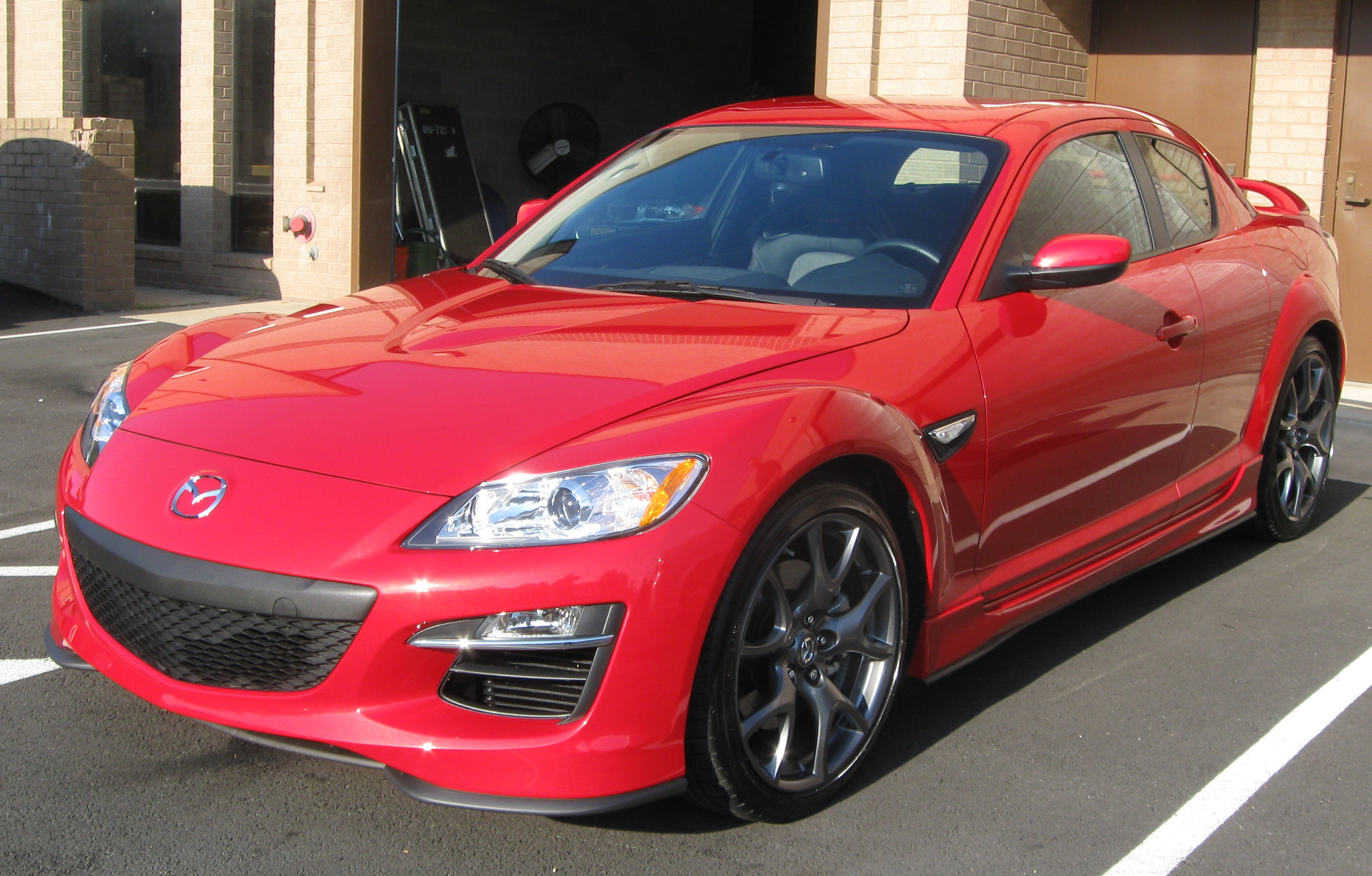 http://enacademic.com/pictures/enwiki/50/2010_Mazda_RX-8_R3_--_09-03-2009.jpg