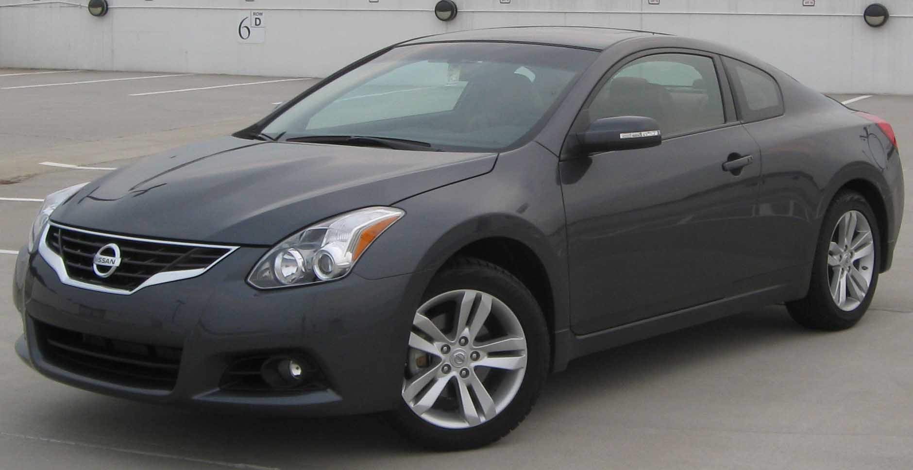 Facelift. 2010 Nissan Altima ...