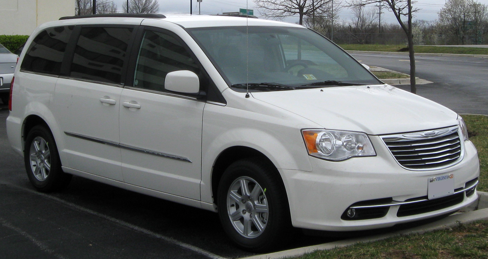 Town And Country Touring Standard Features