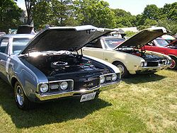 1968 (left) and 1969 (right) Oldsmobile 442s