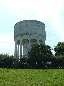 Mursley Water Tower - geograph.org.uk - 821395.jpg