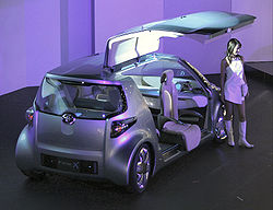 Toyota Fine-X at the 2005 Tokyo Motor Show