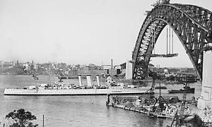 HMAS Canberra sailing into Sydney Harbour in 1930.jpg