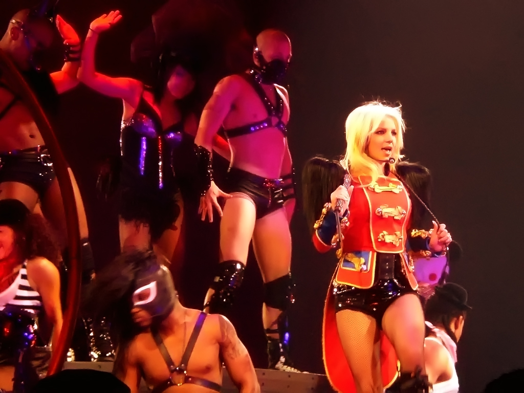 Britney show pussy in circus tour