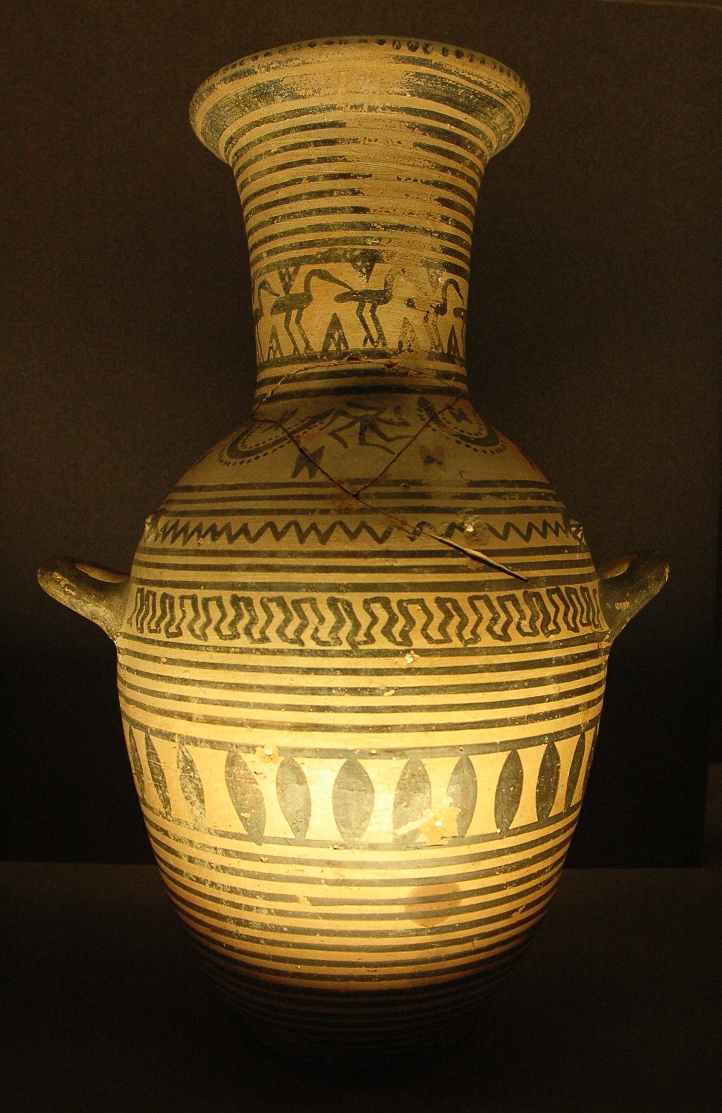 Pottery of ancient greece boeotian geometric hydria louvre reviewsmspy