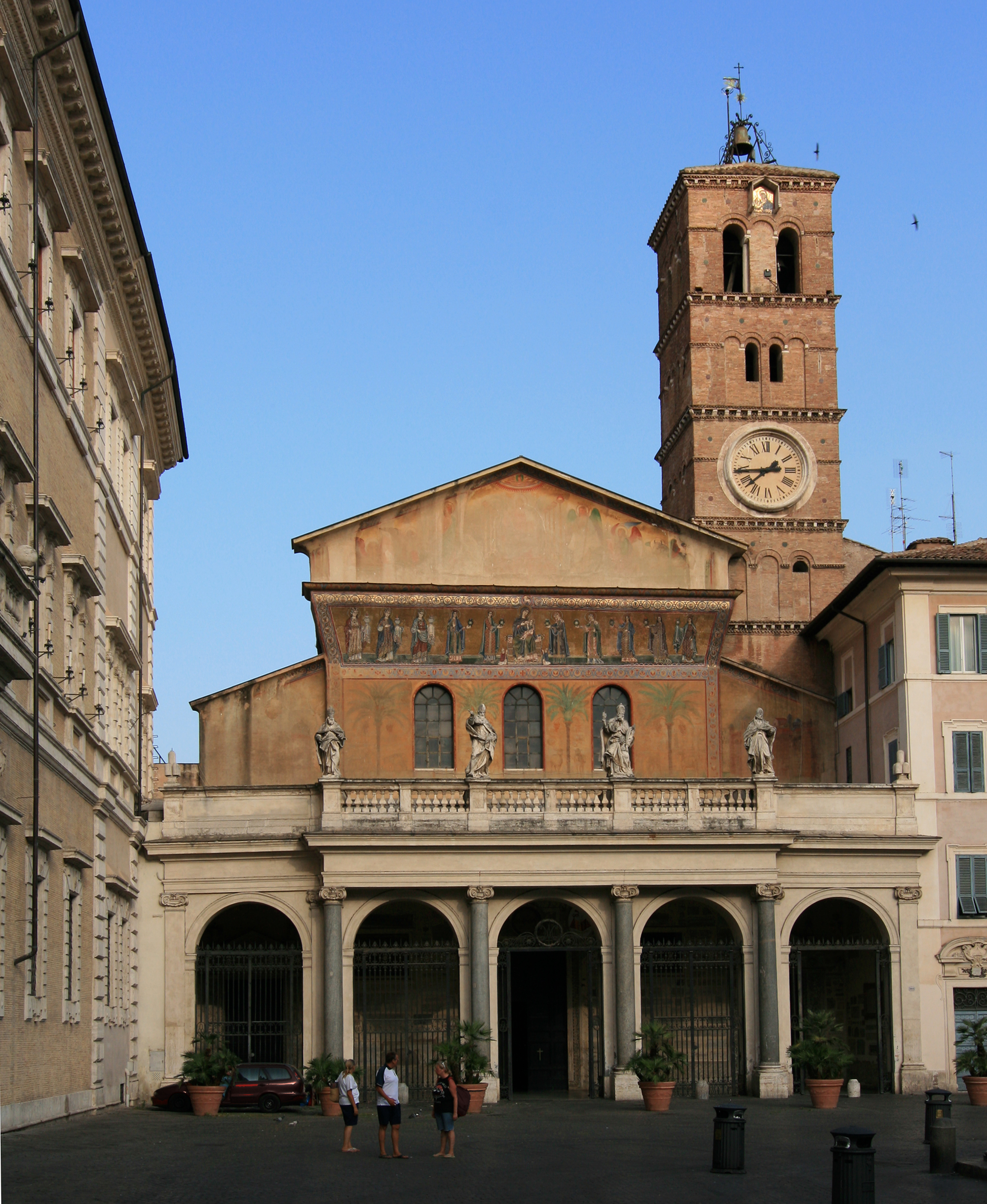 List of oldest churches for Garage santamaria saint maximin